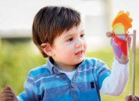 Pediatrik İşitme Cihazı Uygulamasında Pil Kapağı Kilidi ve Led Göstergesinin Önemi